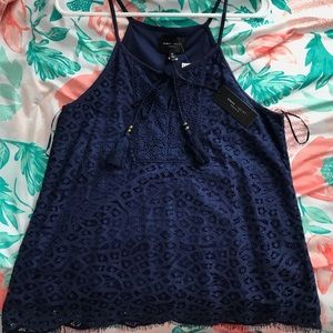 dainty lace sleeveless top